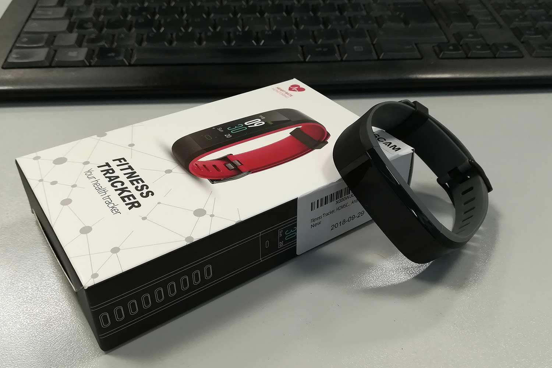 Fitness Tracker Homscam confezione completa