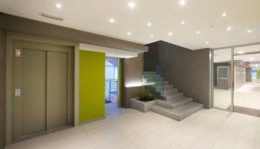 Illuminazione nei condomini fra sicurezza e normativa