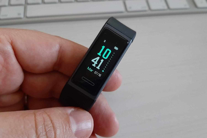 Il display del fitness tracker della Latec