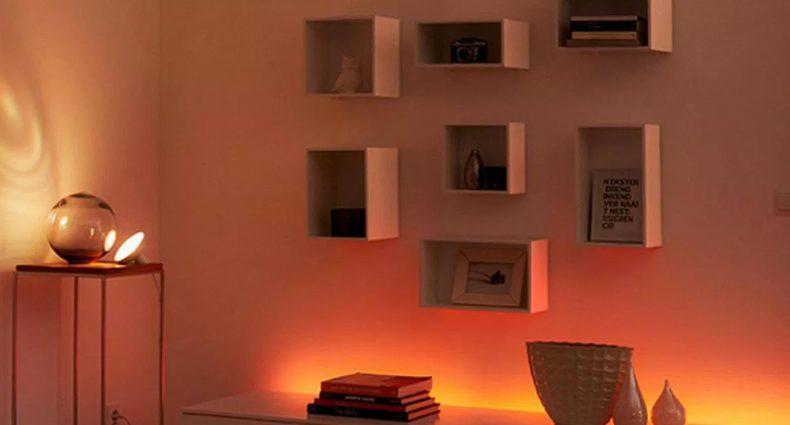 Installazione con Lightstrip Plus Hue di Philips
