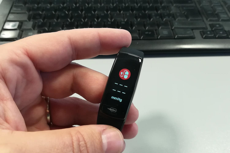 Misuratore Pressione Minluk Fitness Tracker