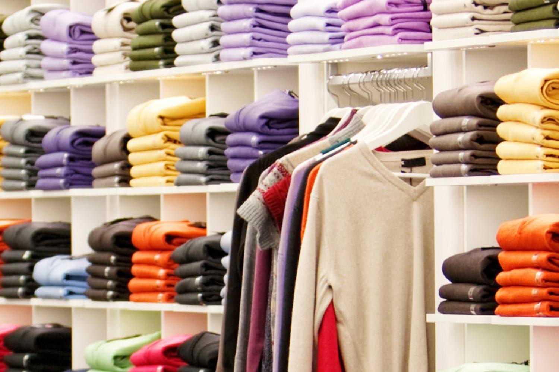 negozio-maglioni-colorati