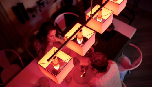 Philips Hue presenta anche lampadine smart E14