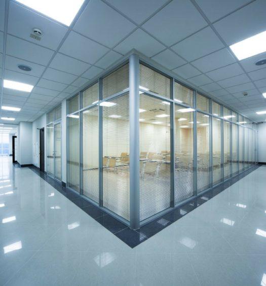 uffici illuminati con pannelli led