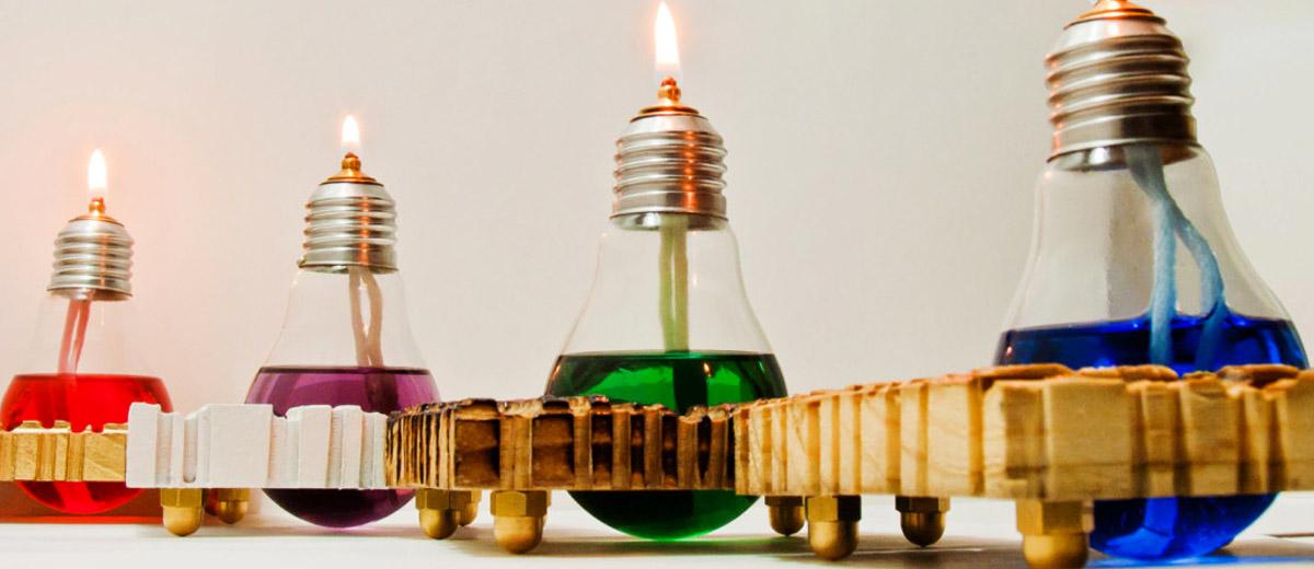 Lampadari e lampadine riciclate
