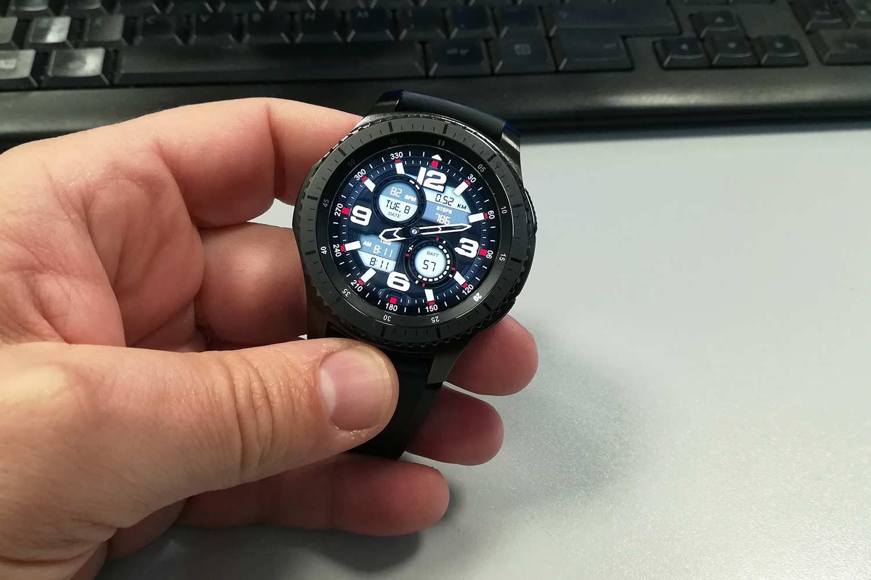 Samsung Gear S3 Frontier dettaglio watchface