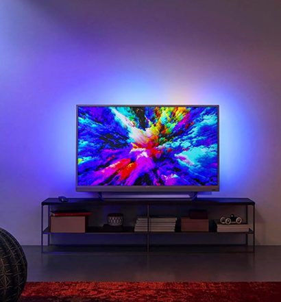 TV Ambilight di Philips ambientato in casa